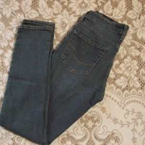 Levi's The Skinny Jeans 6 Misses Medium Small